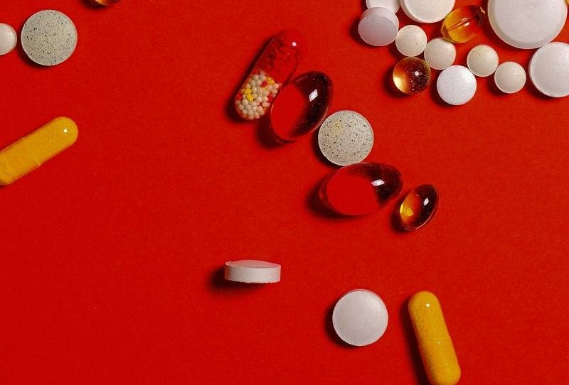 Pharmacie  CA 1.1 ME dans petit centre commercial à vendre Marne